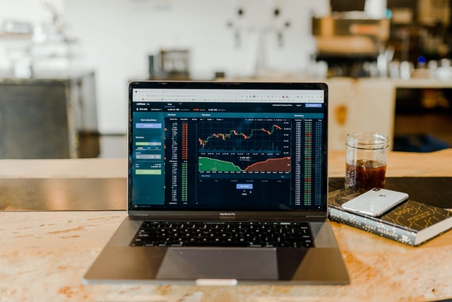 4 Simple Ways to Combine Fundamental and Technical Analysis